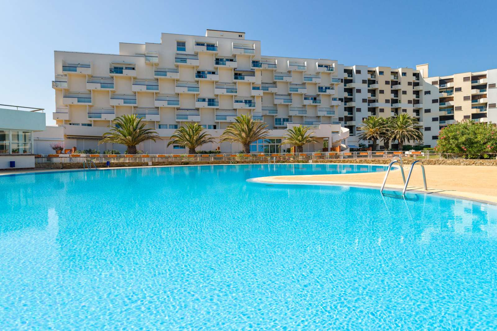 R sidence le lydia playa grande plage location vacances le barcares cap coudalere lagrange - Residence catalana port barcares ...