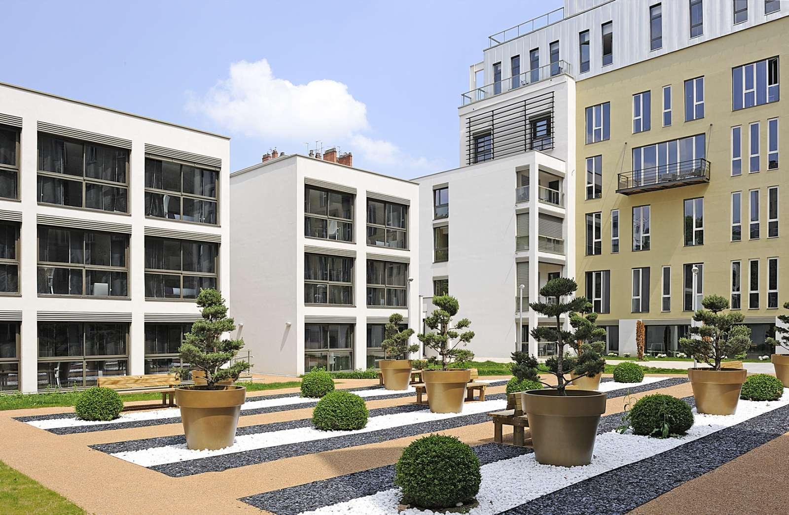 LYON APART'HOTEL LYON LUMIERE LAGRANGE CITY