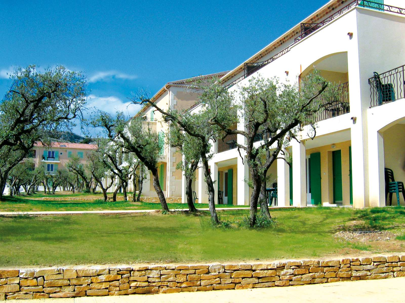 R sidence le domaine de bourgeac location vacances baux for Domaine architecture
